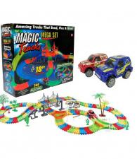 Žaislinė lenktynių trasa su šviečiančia mašinėle 360 det.